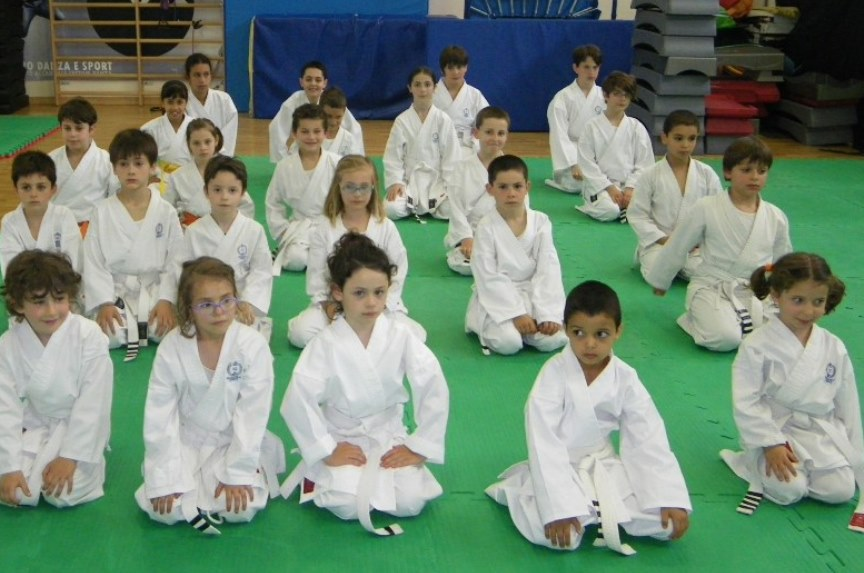 Corsi di karate per bambini e ragazzi a Cesena